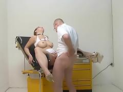 Spezialbehandlung vom Chefarzt Teil 2