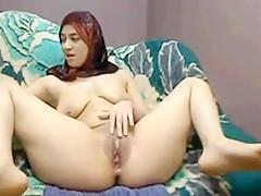 Hijab Arab gal plays cums lactate on cam