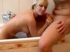 Another amateur beauty nailed in a bath tub