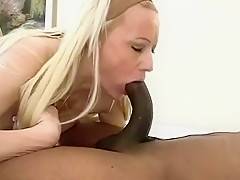 Blonde middle aged pussy xxx