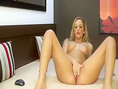 Exquisite beauty Vanessza rubs and fucks her pussy