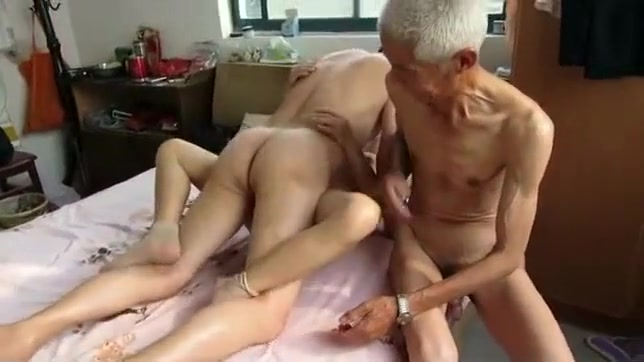 Chubby Grey Haired Granny Fucks In Bed Hclips Private