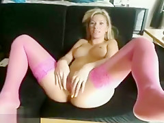 Beauty Texas_Blonde fucking with a rubber phallus