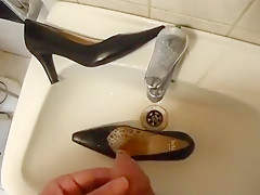 Piss in wifes push that is traditional