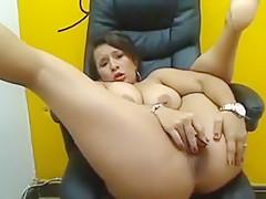 Heavy Sexy Latina Treating
