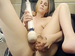 Hot Girl Appreciate Fingering and Hard Fucking