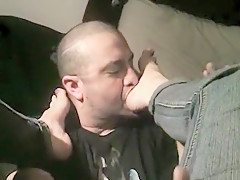 lick her feet clean