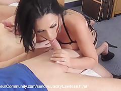 Jacky nimmt mehrere Schwaenze in ihre Fickgrotten
