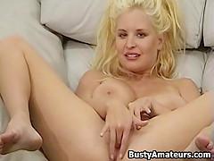 Busty Mariah Lynn amateur masturbates her pussy