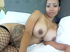 KittyVickie6 free webcam show at 05/31/15 08:35 from MyFreeCams