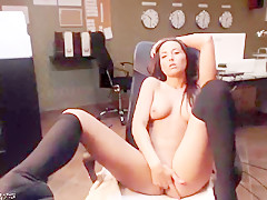 Sexyofficegirl_ private show at 05/17/15 10:28 from Chaturbate