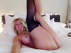 Yoga_bare private show at 05/25/15 11:58 from Chaturbate