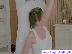 euro rubdown sweetie jerking her masseur