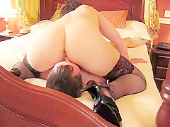 Mrs Snd - Meets Friend, Gets Pussy Licked Out