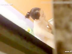 peeping chinese girls bathing in home