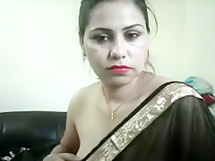 Indian Bhabhi In Sari Cam Show