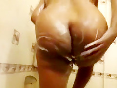Indian MILF Bhabhi Shower