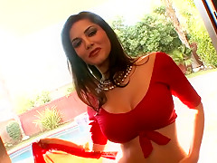 Sunny Leone In Indian Sari