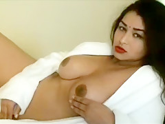 Chubby Indian Babe Teasing