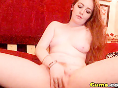 Sexy Horny Teen Babe Plays With her Pussy