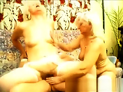 Hot amateur asian babes threesome HD video