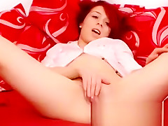 amateur kiarose flashing ass on live webcam