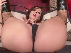 Hot solo fingering Maria Belucci