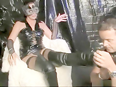 Kinky diva Marianne domineert Nick