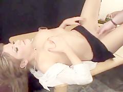 Food sexe pour une bourge canadienne mature amatrice de cul fistée et baisée hard
