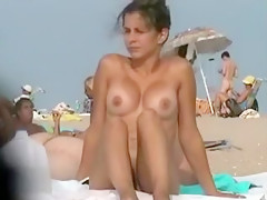 Nude mom with large boobs fi...