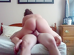 Russian milf bouncing on a h...