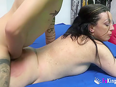 Ugly mature wants monster cock up her ass