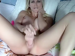 Dirty blondie deep toying pussy close up on webcam