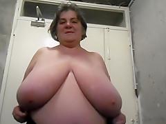 Old Amateur Granny Masturbate