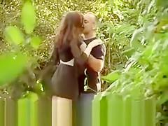 Verdorbenes Paar am See beim Ficken erwischt
