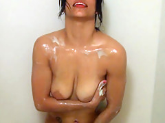 Nice Chica Washing Her Lovely Ass - RealLatinaExposed