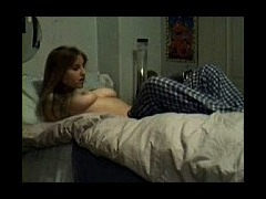 horny babe playing for the cam