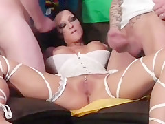 Big Boobs Amateur Takes A Sticky Facial