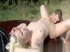 Amateur natural chick fingered and eaten