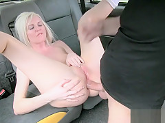 Hot blonde anal screwed by nasty driver to off her fare
