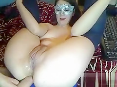 Sexy Teen Spreading Pussy on Webcam
