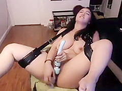 Super horny asian brunette toying deep on cam