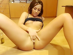 Adultmemberzone Secluded Arab Babe Gives Sizzling Solo...