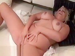 Luscious Muscular Mommy With Meaty Pussy Lips