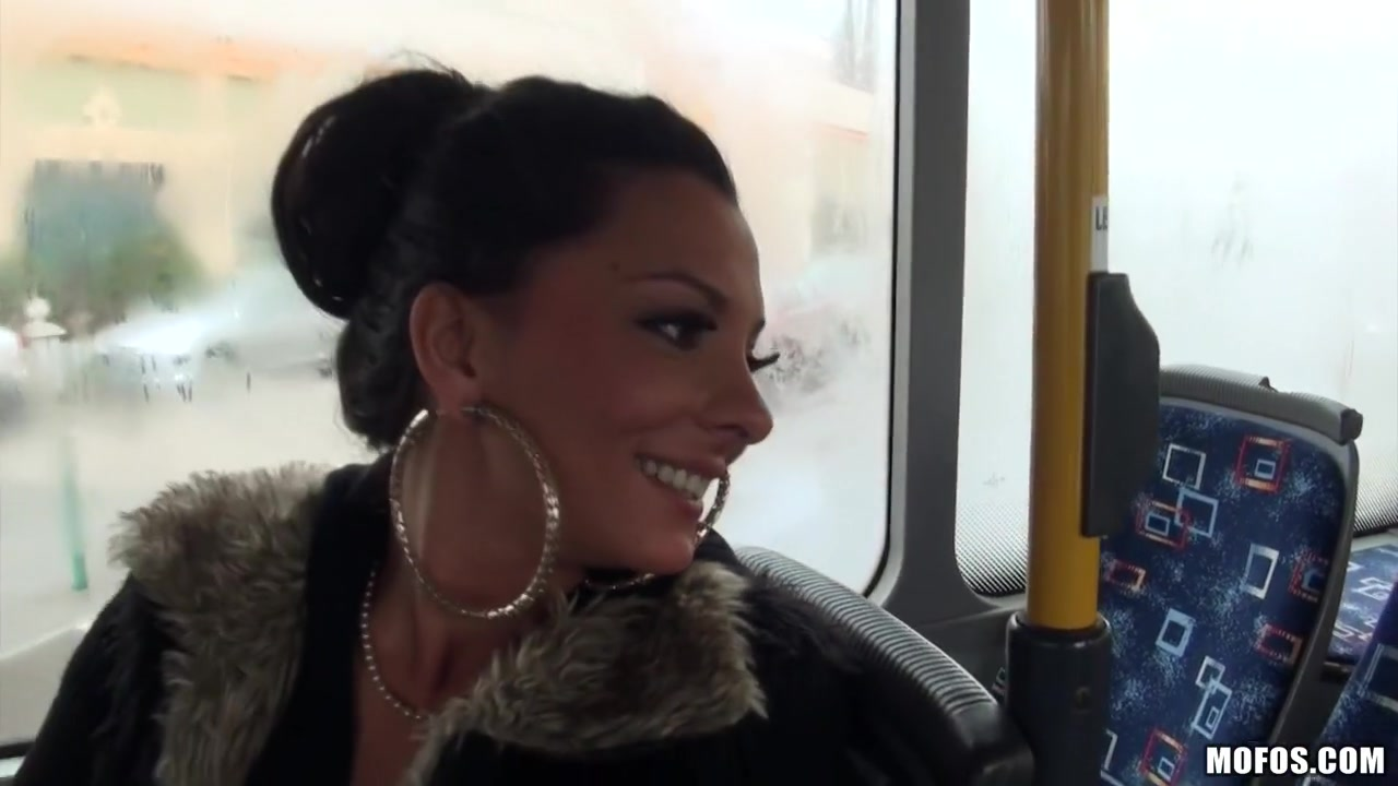 Lindsey olsen gazoo drilled on the public bus hclips private home clips