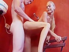 Maolata ćwiczy porno jogę