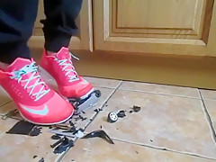 Sister Ally smash two cars in sneakers