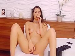 Busty Babe Finger Fuck her Wet Cunt