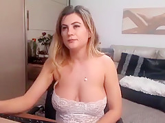 Babe Alizeesweety Flashing Boobs On Live Webcam Part 05