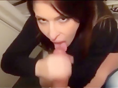 HOT FRENCH MILF GIVING HER MAN A BLOWJOB ON THE TOILET